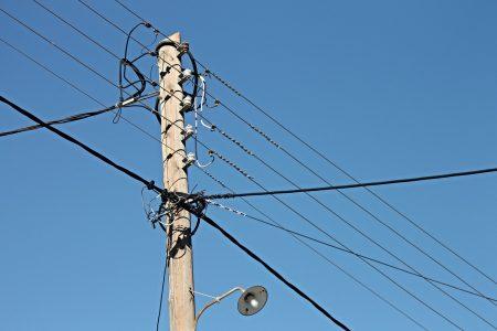 สายไฟฟ้าแรงสูงที่พบเห็นได้ทั่วไป